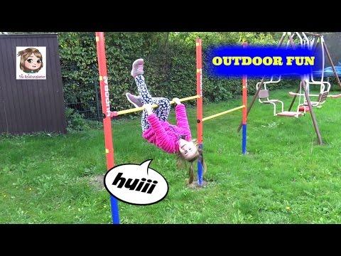 Erste Turnübungen an der RECKSTANGE im Garten - Outdoor Fun + Aufbau
