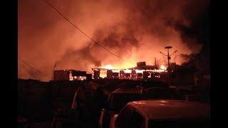 Fire razes part of Nairobi's Toi Market - VIDEO