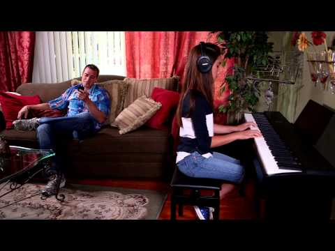 ROLAND F-20-DW Přenosné digitální stage piano