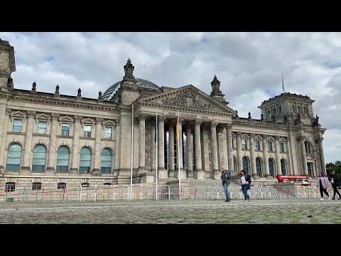 Γερμανία: Κούρσα για τρεις οι εκλογές της Κυριακής
