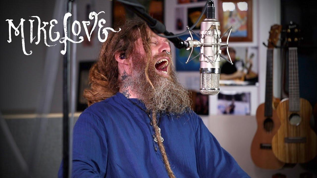 Música de conciencia revolucionaria - Mike Love