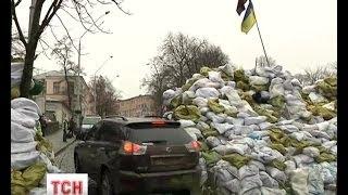 Барикади на Майдані та на Грушевського стрімко розтають