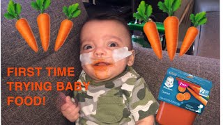 PREEMIE TRIES BABY FOOD FOR THE FIRST TIME!