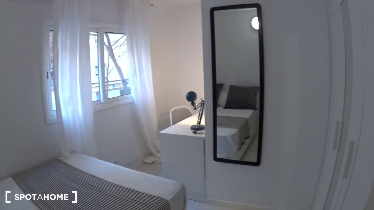 Single Bed in Rooms for rent in modern 8-bedroom apartment in Poble-sec