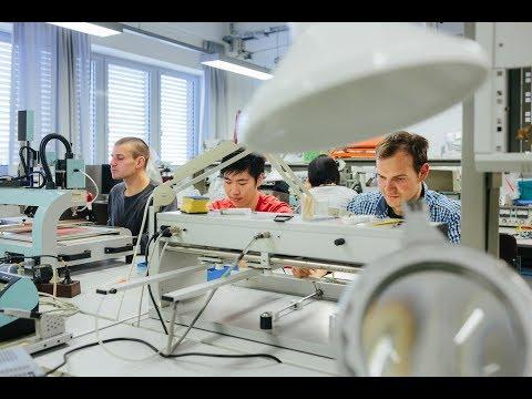 Deutsch Hersteller von Hüftgelenken