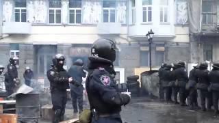 07 02 14 Львовский Беркут от шоколада Свиточ отказался, а Донецкий нет