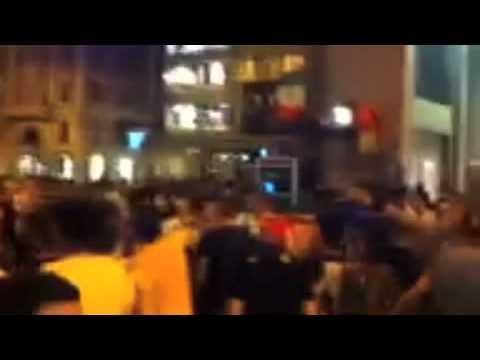 Festa in piazza per la vittoria dell'Italia