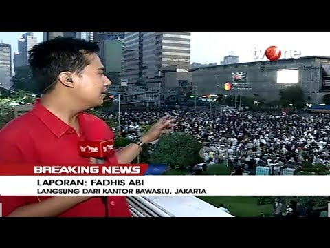 [BREAKING NEWS] Suasana Buka Puasa Bersama di Depan Gedung Bawaslu (21/5/2019)