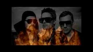 30 Seconds To Mars   Merry Christmas