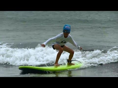 種子島の学校活動:花峰小学校サーフィン教室熊野海水浴場での実践編2018年