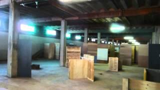 preview picture of video 'Primer Vlog Osona Airsoft - Estado de la nave - Campo de Airsoft - Pronto partidas de prueba!'