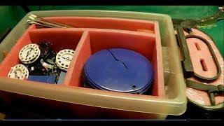 Ящик на полозьях для зимней рыбалки