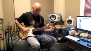 Custom Relic Stratocaster by R Majury Guitars (demo by Doron Zor) 3/3