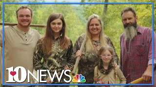 Family Of 5 Living Off The Grid On 40 Acres In East Tennessee
