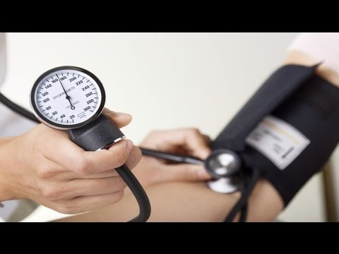 Cuidados de emergência paramédico para crise hipertensiva