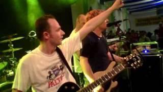 preview picture of video 'Erwin und die Heckflossen - Pichelsteinerfest Regen 2010'