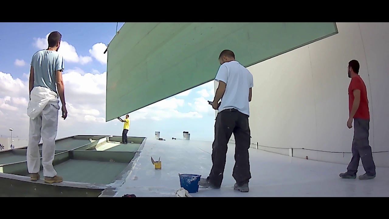 Proceso de fabricación de un forro superior para un dosel flotante