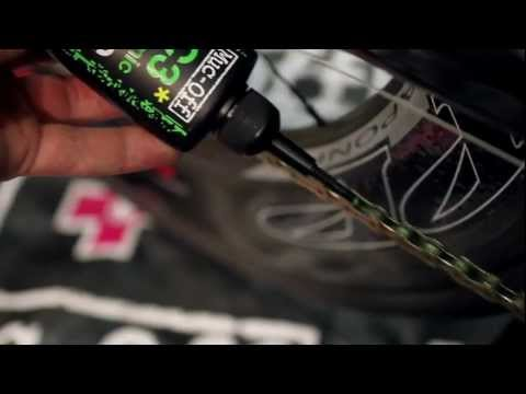 Muc-Off C3 Ceramic Dry Lube 120ml med UV-lys video