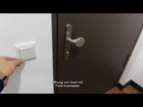 Tür mit mehrfach verriegelndem Motorschloss und Antrieb