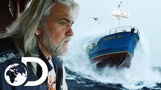 Summer Bay Crew Get Battered By A Huge Storm On The Bering Sea | Deadliest Catch