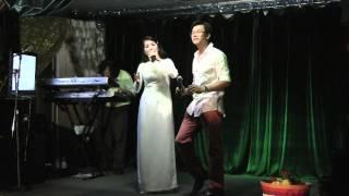 Hop Mat Lan Cuoi by Kim Van and Van Anh Toai