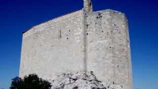 preview picture of video 'la chapelle Saint-Michel du Rove #1'