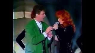 Mylene Farmer - Pourvu Qu'elles Soient Douces (Jacky Show 1988)