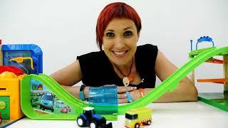 Машинки и новая трасса -  Игры для детей с Капуки Кануки