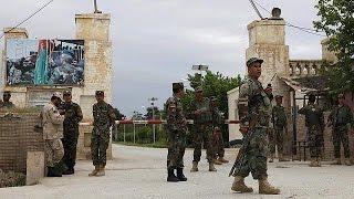 Талибы напали на военную базу в Мазари-Шарифе: десятки погибших и пострадавших