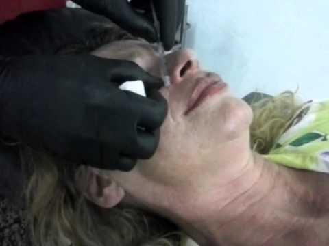 Kulay-abo na mask para sa mukha