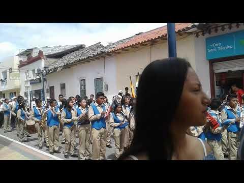 Desfil civico Urcuqui 2019