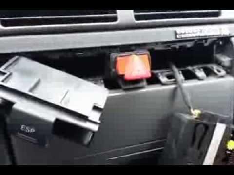 Byte av trasigt blinkersrelä Audi A6 -02