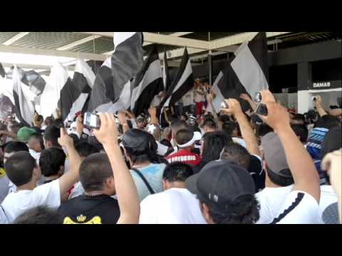 """""""el último carnaval (x mongalaproducciones)"""" Barra: Garra Blanca • Club: Colo-Colo"""