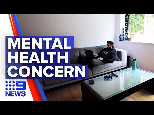 Coronavirus: Psychologists warn social distancing may take a toll | Nine News Australia
