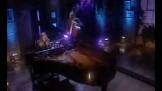 """Video thumbnail of """"Diana Krall - Fly me to the moon"""""""