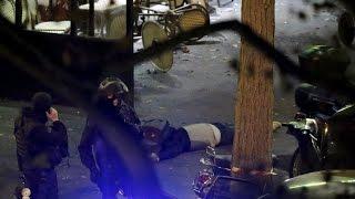 Боевики расстреливают людей в концертном зале Bataclan во время концерта