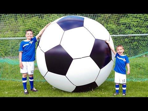 LE PLUS GRAND BALLON DE FOOTBALL DU MONDE !  Foot Géant la coupe du monde !