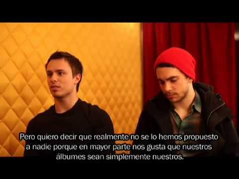 Entrevista a Josh Farro y Taylor York en París parte 1 (subtitulado en español)