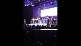 Josh Turner-Good Problem (Live)