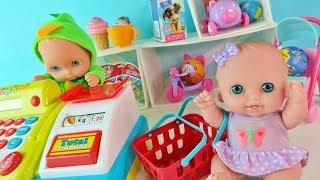 Куклы Пупсики Играют в Магазин. Покупаем Подарки на 8 марта, Открываем Сюрпризы и Игрушки  Зырики ТВ