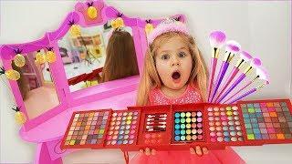Diana quiere vestidos nuevos y juguetes de maquillaje