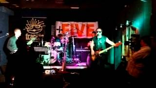 Video Five+  live in frankie 05 2015  Keep on rocking