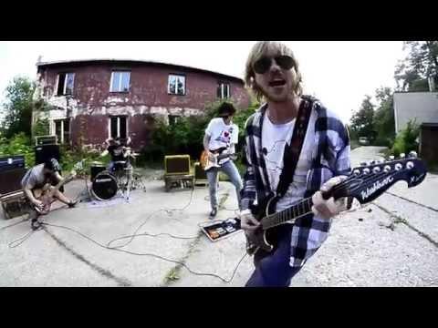 Verdikt Znie - Verdikt Znie - Medzi Debilmi (official video)
