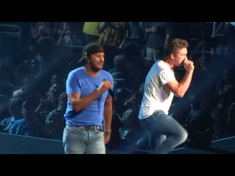 "Luke Bryan  and Morgan Wallen in Kansas City ""Up Down"" 8/26/18"