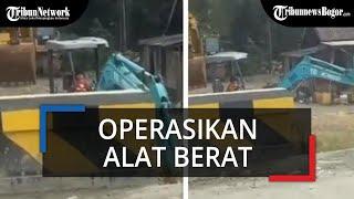 Video Viral Anak Kecil Operasikan Alat Berat Ekskavator di Tanah Bumbu, Kalimantan Selatan