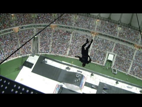 Erik Roner BASE jumped into the stadium