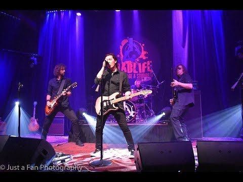 """SCARLETT - """"Heroes"""" (David Bowie cover) live @ Madlife Stage and Studios"""