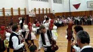 preview picture of video 'Hody Traplice 2011 - vystoupení chasy na večerním plese'