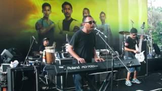 Gambar cover Ras Muhamad & Easy Skankin - Emansipasi (Live GBK - Jakarta May 2016)
