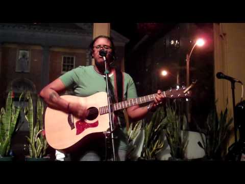 "Roxie Beane - ""Stronger Than Me"" Cover (Art Bar - 05.19.10)"